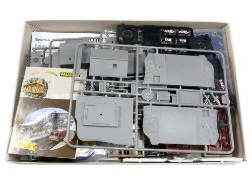 Il contenuto della scatola Faller 222169