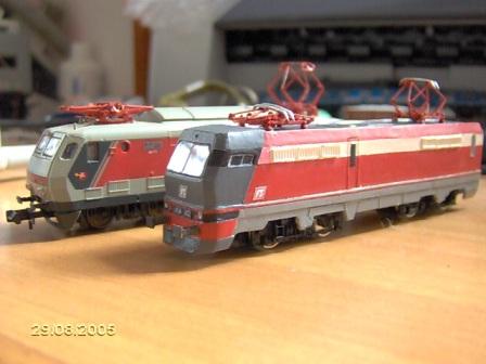 E454 (davanti a una E444R) di Ferrovie del Caimano