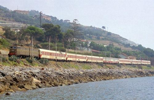 Carrozze TUI in Liguria nel 92 - Foto © Giorgio Stagni
