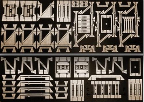 Due lastrine di N-Kit: in alto il 42, in basso il 52 (Foto da Carlo Mercuri).