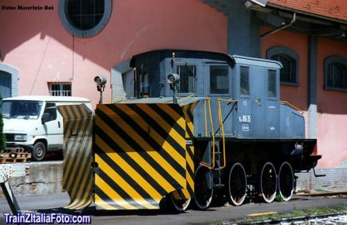 La VNx 806.215 ad Aosta - Foto © Cancio da trainzitaliafoto.com