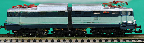E646 II serie LoCo (vecchio modello) in livrea Treno Azzurro, collezione Angioy