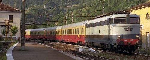 Convoglio di Gran Comfort in transito a Isola del Cantone, courtesy of Giorgio Stagni