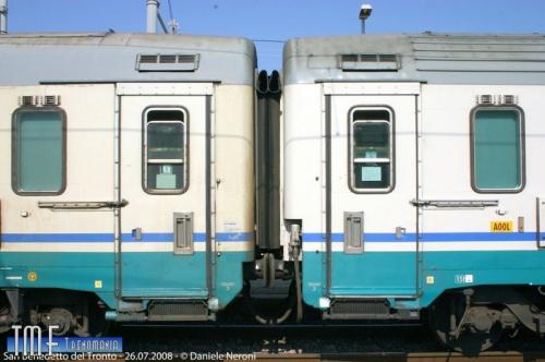 Conftoto tra due GC: a sinistra una Tipo 1970, a destra una tipo 1985. Si può notare la differenza sull'imperiale. Foto © Daniele Neroni da Trenomania