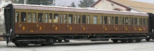 Tipo 1928R serie 36000 in versione 3a classe, con 10 porte per lato - foto E412, da TranZItaliaFoto