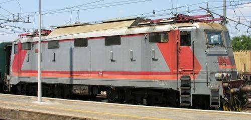 E.424.302 - versione a 5 finestrini, vista lato corridoio - foto © Massimo Rinaldi da railfaneurope