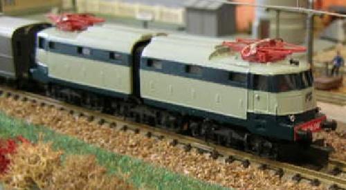 """E.636.080 """"treno Azzurro"""" di Angelo Pozzati"""
