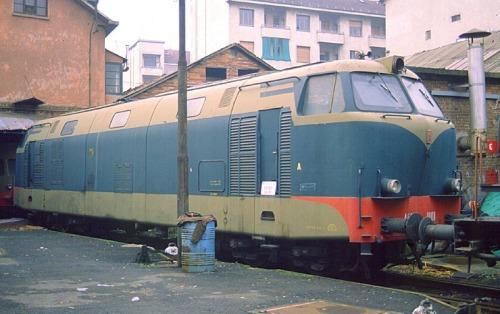 D.461 accantonata a Milan nel 1991 ma ancora in stato apparentemente buono nonostante quindici anni di inattività. Foto © Stefano Paolini da wikipedia (originale da photorail.com)