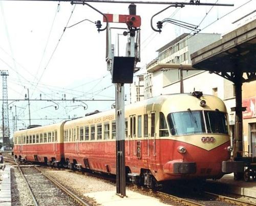 ALe.442 con logo TEE a Bolzano nel 1970. Foto © Pedrazzini da photorail.com