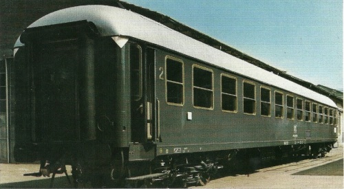 Bz UIC-X Tipo 66-68 (si noti la griglia) - Foto del produttore (SNIA Colleferro)