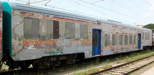 La nB 50 83 22-39 443-0 depellicolata mostra la sua vecchia livrea MD. Foto © Marco TAF da trenomania