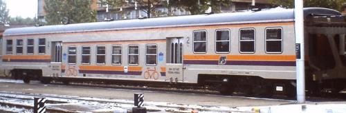 P.R. Prima serie attrezzata per trasporto bici, con pedane mobili. Bologna, 1988. Foto © M.Tolomelli da flickr
