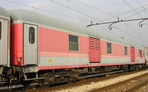 Tipo 1975T nDU 50 83 91-78 033-7 -FOto © M.Rinaldi da Railfaneurope