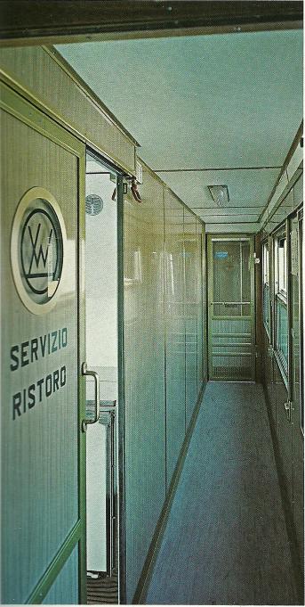 Corridoio a fianco del comparto di servizio della BRz Tipo 1970 - Foto del produttore