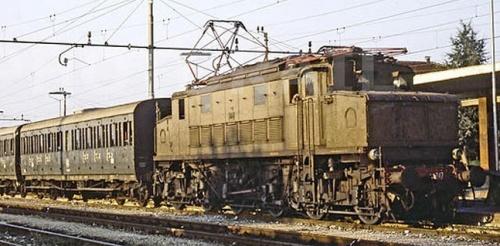 E.627.047, seconda serie allo stato di origine a Rovigo nel 1979. Foto © E.Paulatti da www.photorail.com