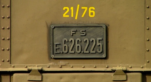 Indicazione del rapporto sopra la targa della 225. Foto © Daniele Donadelli - Effimera59 da Flickr