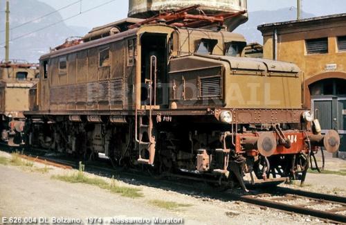 E.626.004 a Bolzano nle 1974 - Foto © Alessandro Muratori da photorail.com