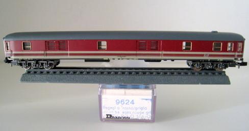 Rivarossi 9624- Bagagliaio DB in livrea FS rosso fegato - marcatura  51 83 95-70 025-6 D - Foto Andrea Quatrini