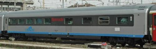 Carrozza ristorante di origine Trenitalia - Foto © wsc da www.trainzitaliafoto.com