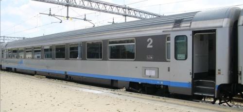 Carrozza Z1 di tipo BH - Foto © Ernesto Imperato da www.trenomania.org