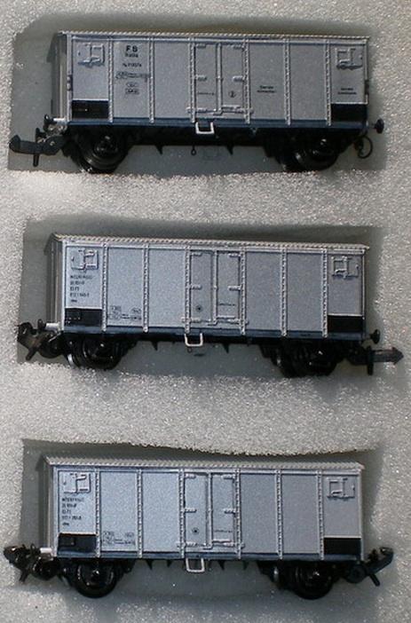 Tre Carri Hg montati. quello in altoha, a destra, il gancio modellistico. Foto Carlo Mercuri.