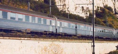 Carrozze Mistral 69 in transito nella valle del Reno. Dettaglio da una foto da trains-worldexpresses.com
