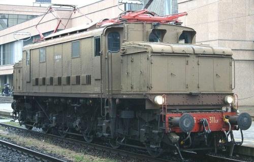 E.626.311 LF - si notano i pantografi Tipo 52. Foto © E.Imperato