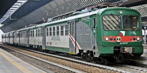 Ale.582.018 in livrea Trenord - Foto © Manuel Paa da trenomania