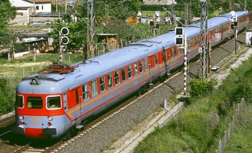 ALe.841, con le rimorchiate Le.581, Le.761 e Le.841. Foto © da Littorina.net