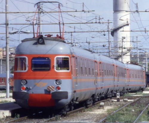 Ale.841 nel 1995. Foto © Danzica64 dal forum di www.ferrovie.it