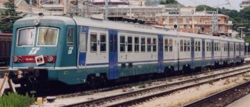 In epoca XMPR, una curiosa composizione: ALe.804.005 + Le.724 + ALe.644.005 - Foto © Umberto Fangucci da trenomania
