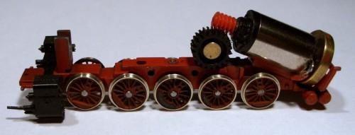 Motore Faulhaber montato sul telaio Fleischmann (foto da www.mago-finescale.de/)