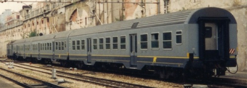 Convoglio di tre MDVC in livrea FerroTramviaria - Foto © Johannes Smit