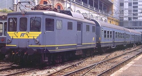 Le101 ridipinta in livrea omogenea alle MDVC di FerroTramviaria nel 1995 - Foto © Stefano Paolini da wikimedia, originale da photorail.com
