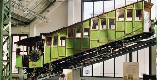 L'automotrice a cremagliera e a vapore della Pilatusbahn conservata presso il Deutsches Museum di Monaco (foto Deutsches Museum)