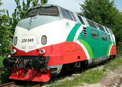 220.045 a Sermide nel 2009 - Foto © R.Fogagnolo da flickr