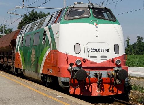D.220.11ER nel 2008 - Foto  © Paolone da www.trainzitaliafoto.com