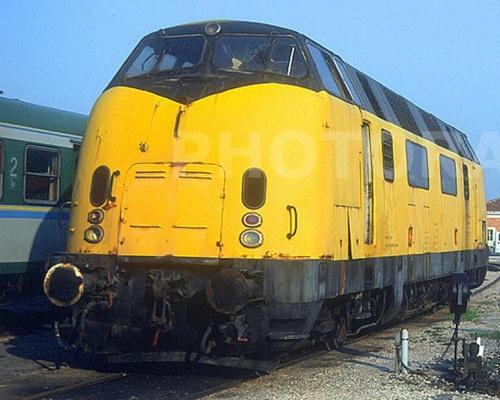 La 060 appena acquisita da FER, ritratta a Ferrara il 24/4/2003 - Foto © Stefano Paolini da photorail.com