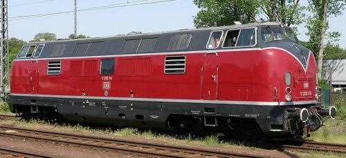 """V200.116. Si nota la sostituzione della scritta """"Deutsche Bundesbahn"""" sulla fiancata con il logo DB. Foto © Peter Scokkenbroeck, 2005"""