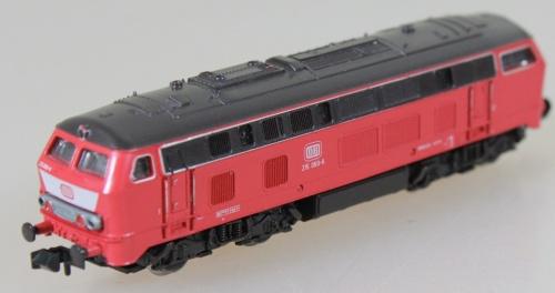 Br 215 069-6 - Roco 23219- Orientrot