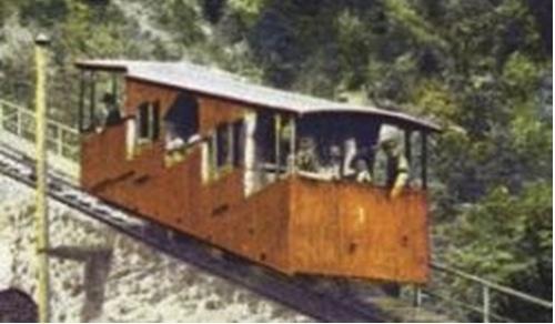 Rara immagine a colori della vecchia funicolare della Mendola - Foto © http://www.seilbahn.net/