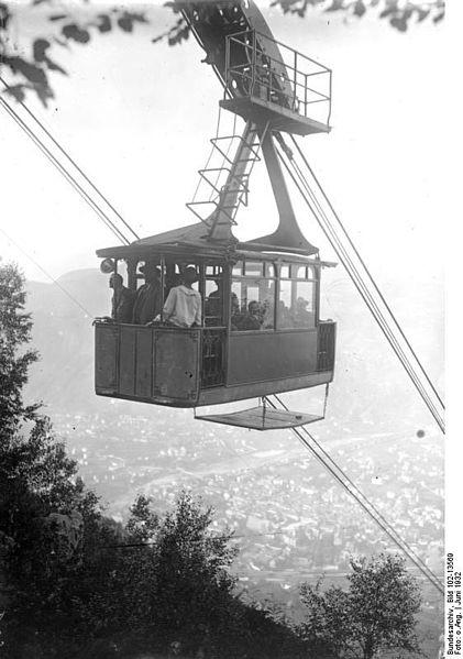 La funivia dl Colle negli anni in cui è ambientato questo racconto. Foto da wikimedia.