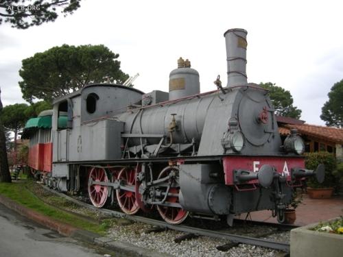 locomotiva monumenatta a Chiesina Uzzanese - Foto Presutti