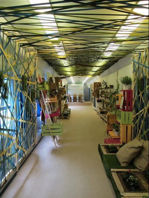 Anche gli interni delle carrozze mostra sono stati aggiornati (TrenoVerde 2013, foto © Legambiente da flickr)