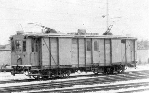 L'automotrice merci della Trento-Malè.
