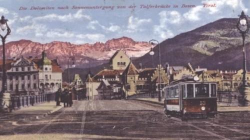 Il tram di Gries attraversa Ponte Talvera, da un vecchia stampa.