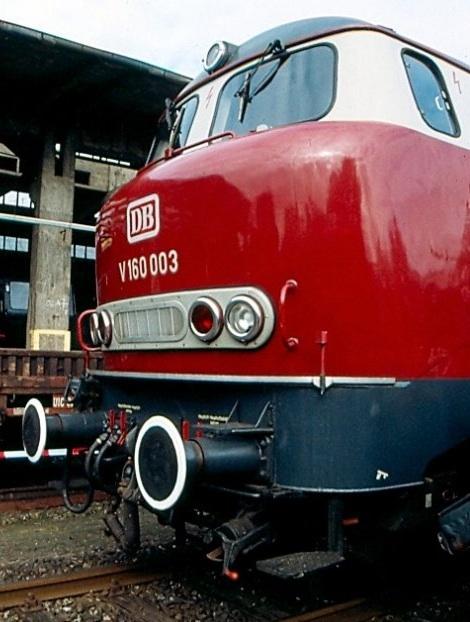 """Le forme tonde della V160 003 """"Lollo"""" - Foto da http://www.modellbahn-community.net/"""