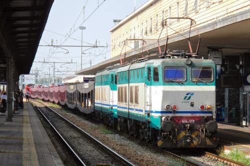 Una doppia formata da 552 e la 570 noleggiate da Go concept per trainare l'autoslaap Hertogenbosch -Alessandria nel 2012 - Foto © Alberto Ernesto Roscio da TrainSimHobby