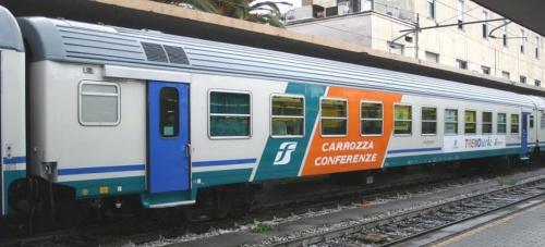 Vettura conferenze - foto © Ernesto Imperato da trenomania.org