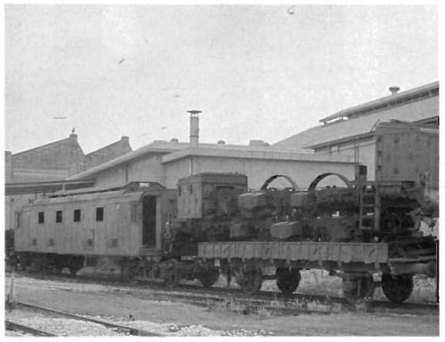 Una E.428 a cassoni in demolizione - Foto tratta da www.ferrovie.it/forum